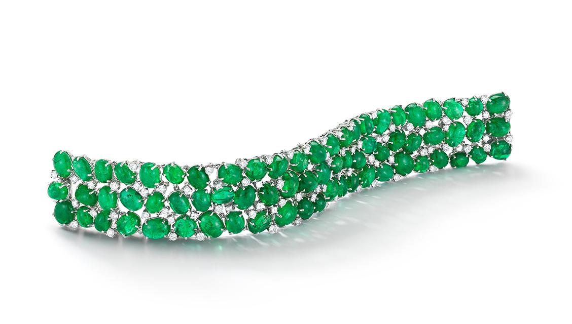 Cabochon emerald, round & square dia