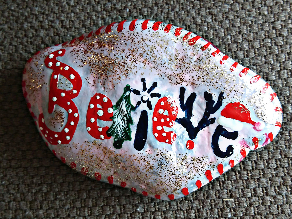 Handpainted Beach Stones - Photo Credits Mary Samou