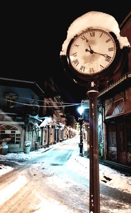Η πόλη πάγωσε.. ο χρόνος σταμάτησε