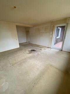 Wohnzimmer leer Haushaltsauflösung Bad Z