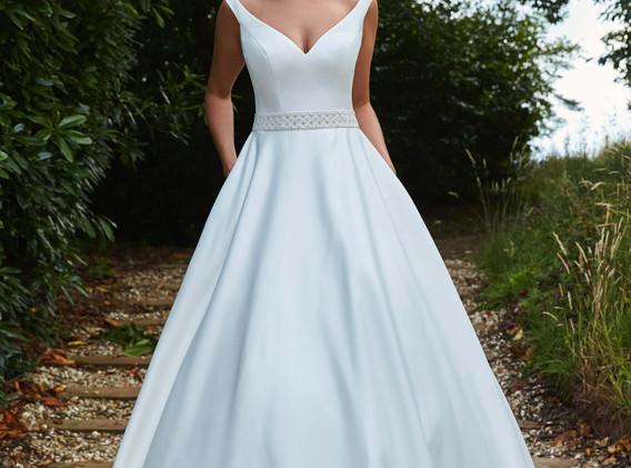 Wedding Time Bridal Salon & Men's Formalwear - wedding dresses Dorchester, Dorset
