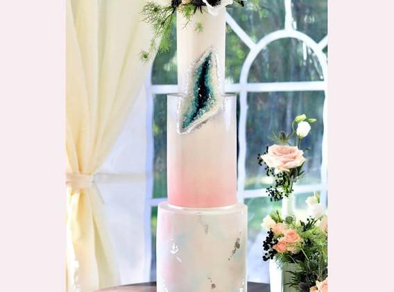 Cakey Lulu's - Luxury Wedding Cake Dorset