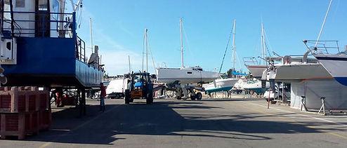 manutention-bateau-trinite-sur-mer.jpg