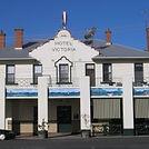 Vic Pub 200.jpg