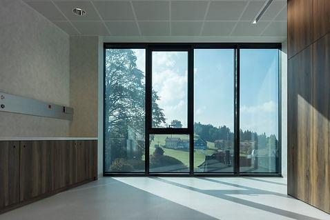 sageglass-bellavista-eye-clinic-hallway-