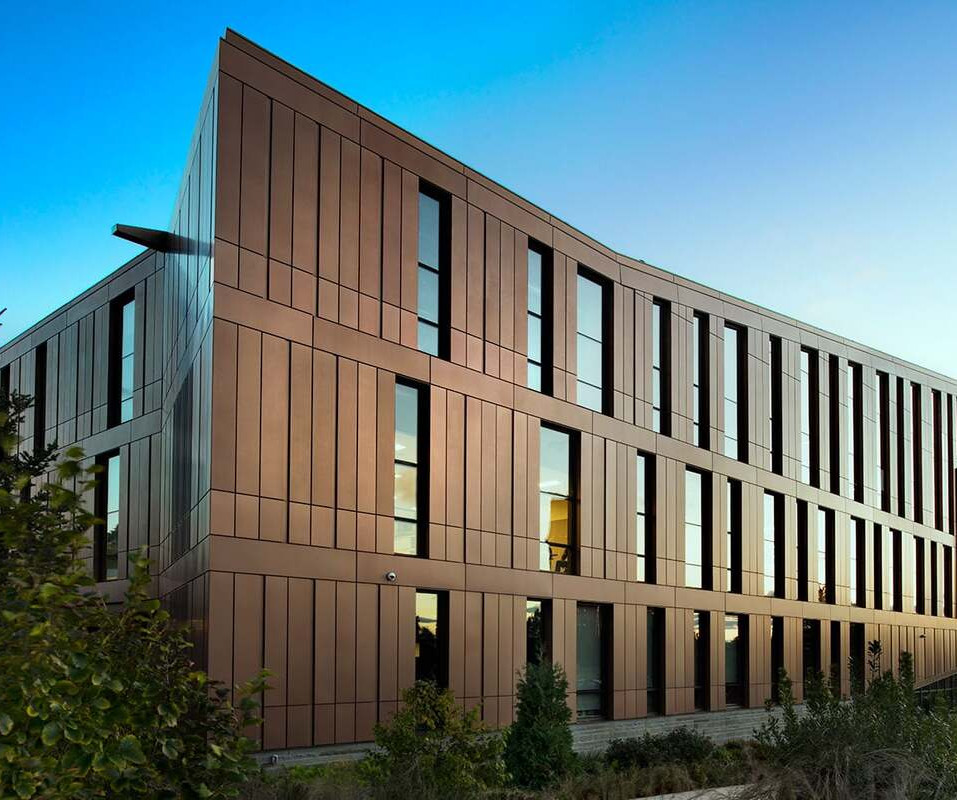 DRI-DESIGN | UNIVERSITY OF MASSACHUSETTS AMHERST DESIGN BUILDING
