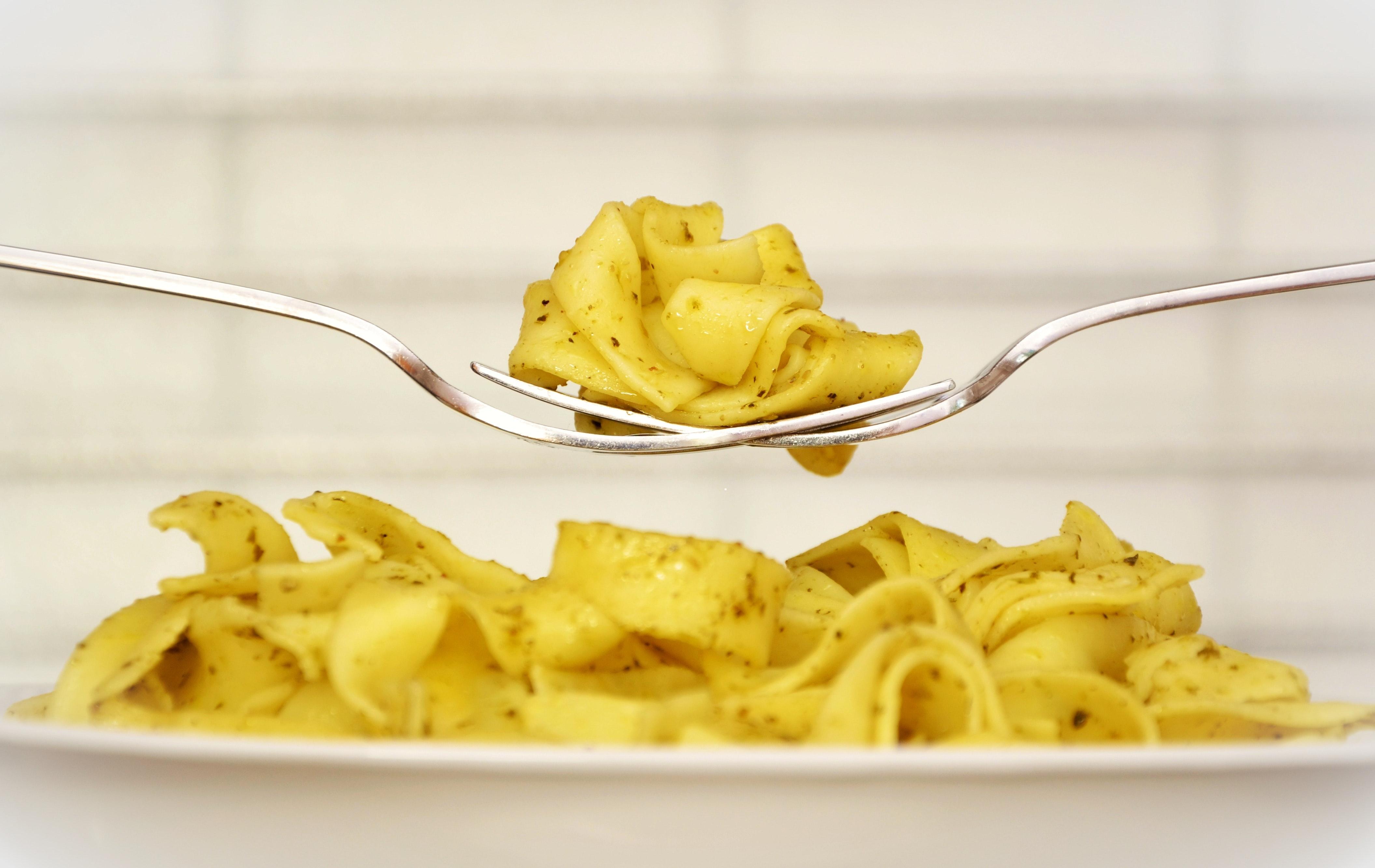 food-forks-noodles-46182