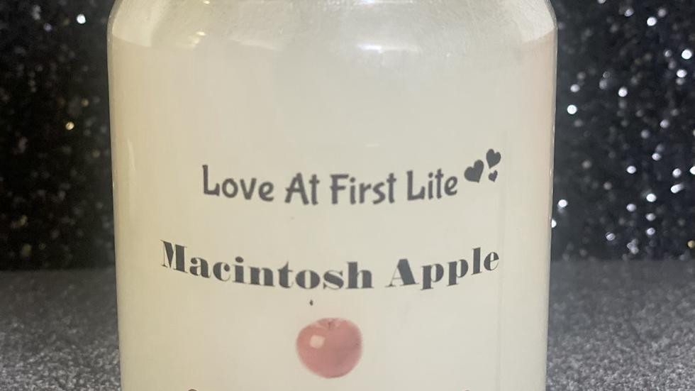 Macintosh 11 oz Candle