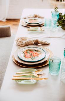 stephanie Traynor table setting vintage