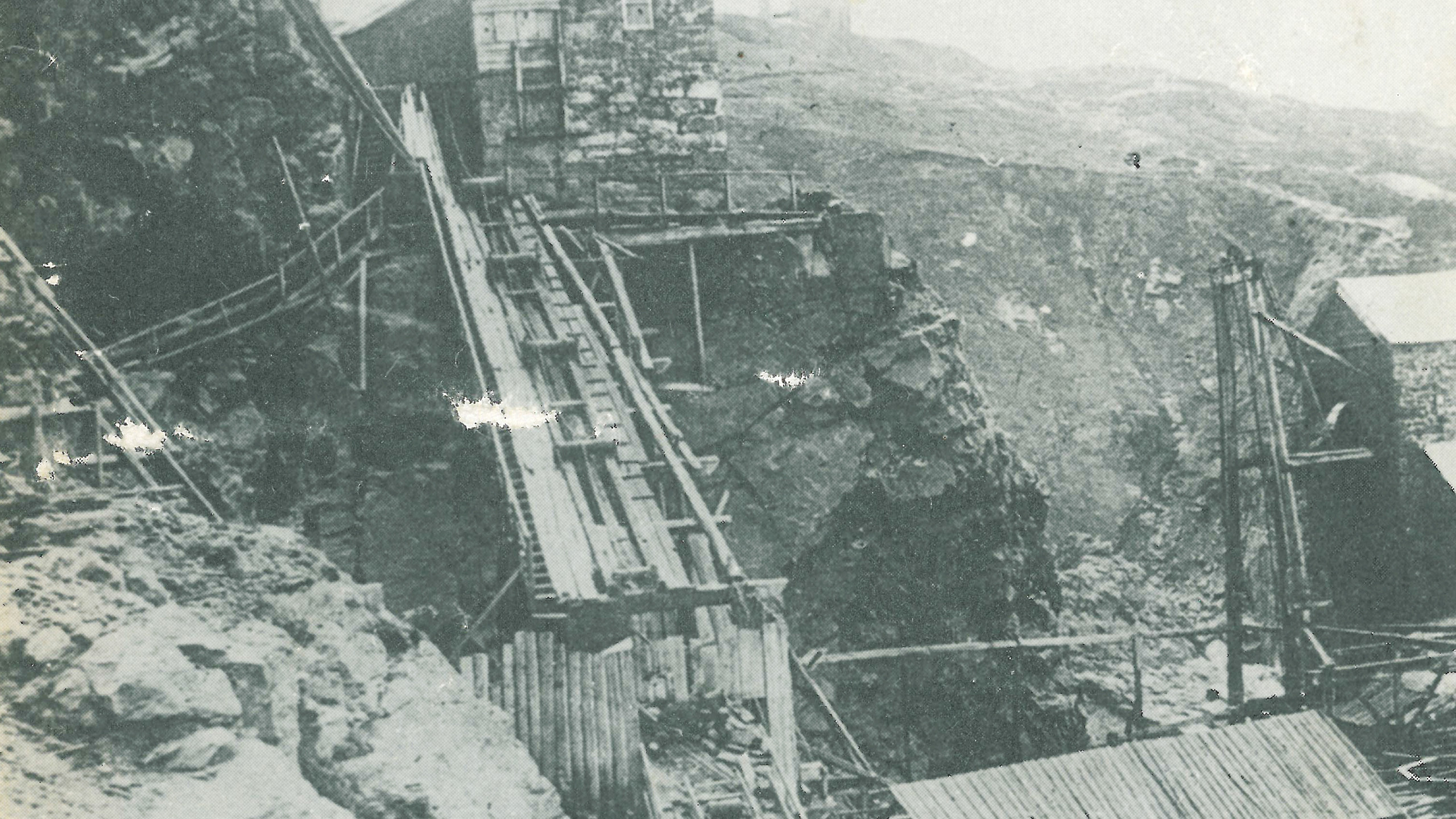 An image showing the incline shaft down into Crowns mine
