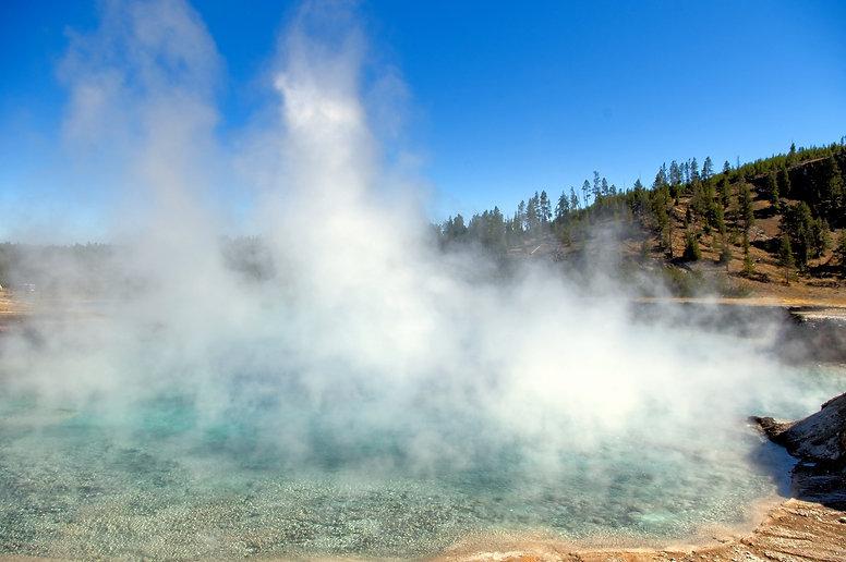 excelsior-geyser-crater-3859933.jpg
