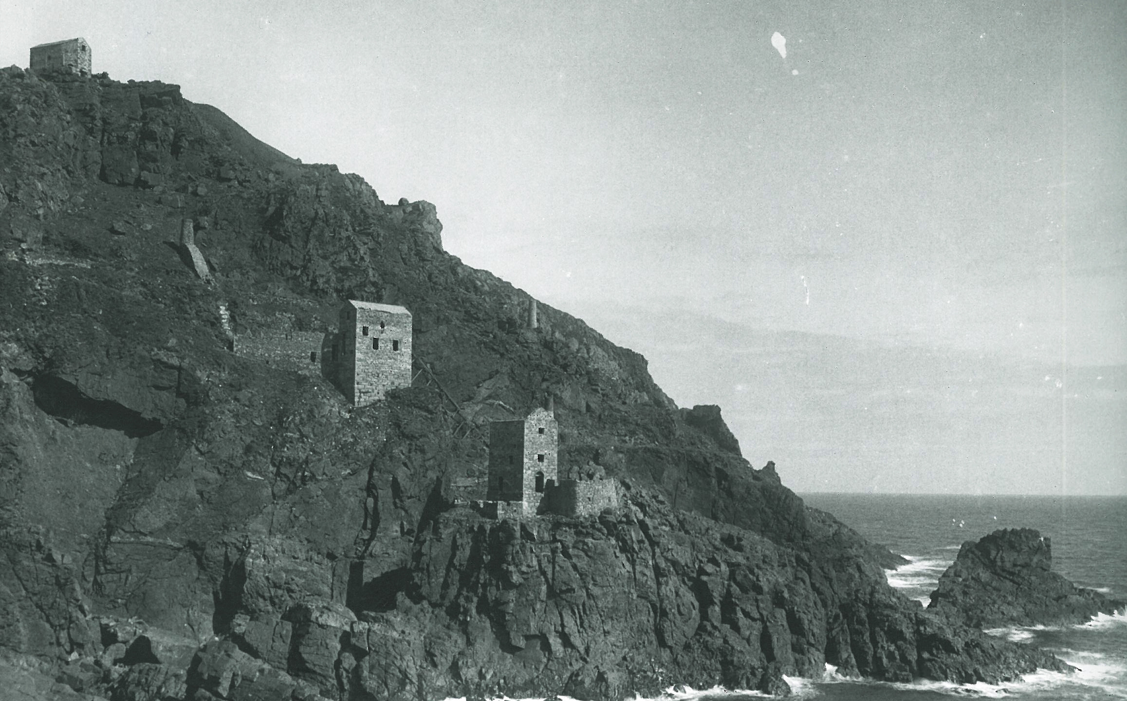 Wheal Cock section of Botallack mine. This derelict scene was common across west Cornwall as the mines closed one after the other throughout the early 20th century