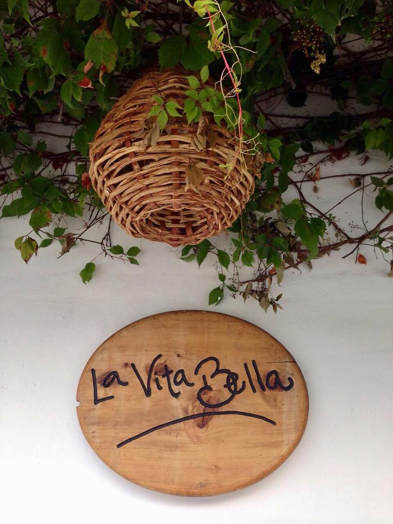 letrero La VitaBella.jpeg