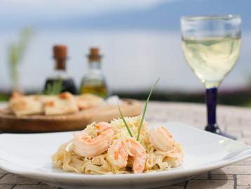 Alfredo con camarón La VitaBella Restaurante
