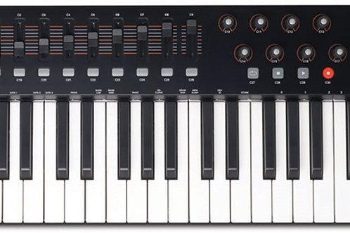 TECLADO CONTROLADOR M-AUDIO OXYGEN 49 IV MIDI USB COM 49 TECLAS