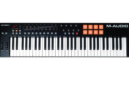 TECLADO CONTROLADOR M-AUDIO OXYGEN 61 IV MIDI USB COM 61 TECLAS