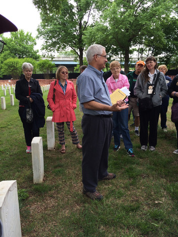 Jerry Potter talking at cemetery in Memp