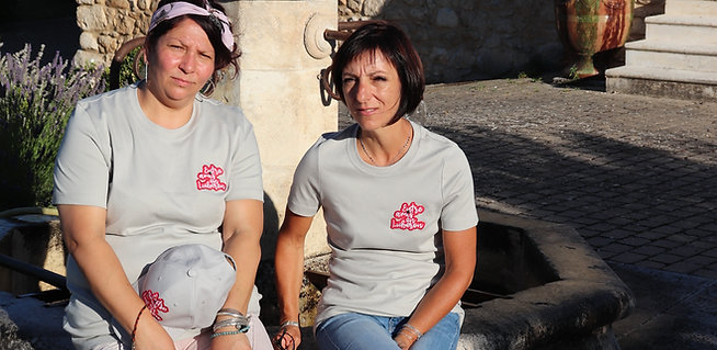"Tee-shirt "" Entre amis en Luberon"" Femme"