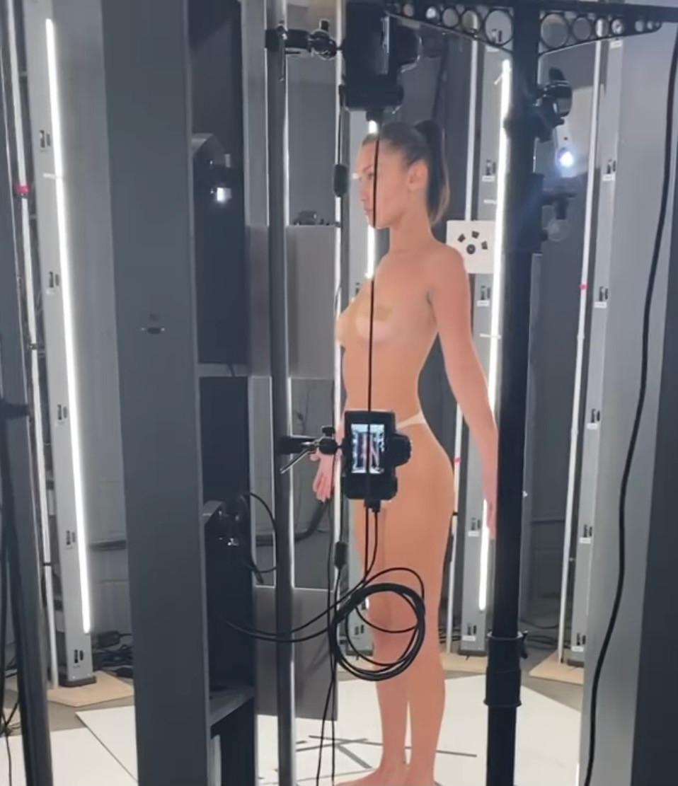 Bella Hadid 3D scan avatar Mugler
