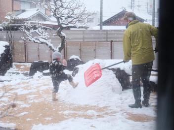 「雪遊び」