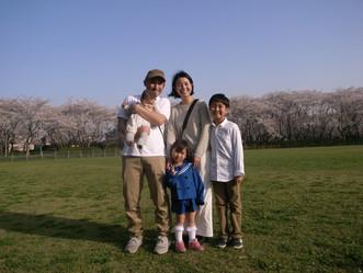 「胸いっぱいの家族写真」