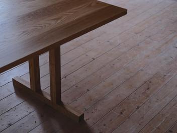 """shaker table""."