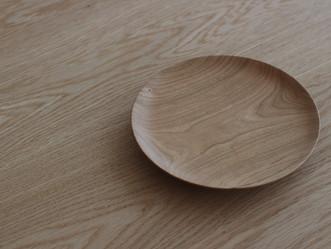 「木のお皿」