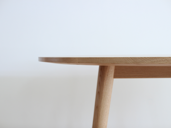 楢材のダイニングテーブル
