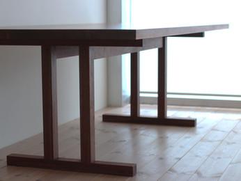 「ウォールナット材のシェーカーテーブル」