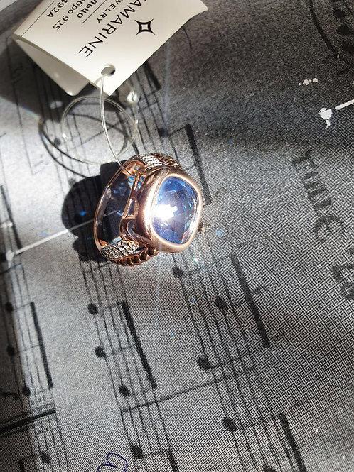 Серебряное кольцо с нанотопазом и фианитами.