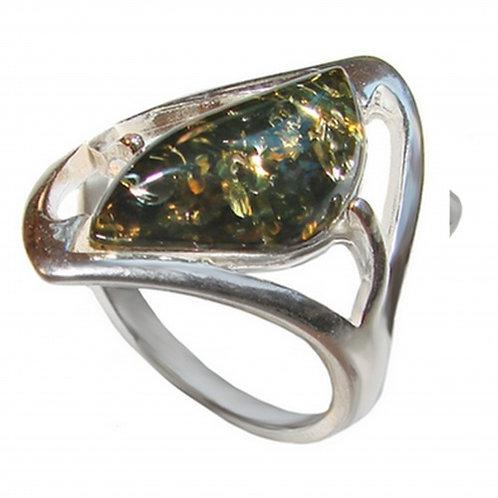 Золотое кольцо с зеленым янтарем