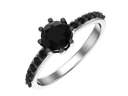 Серебряное кольцо с синтетическим кварцем и фианитами.