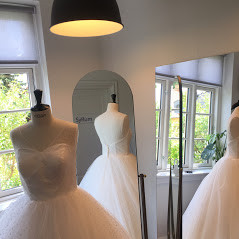 indsyning af brudekjole Roskilde.jpg