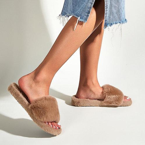 Luna Fluffy Slipper
