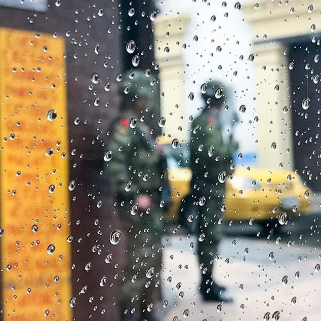Buenos días, Bogotá. Come rain or shine,