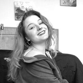 VickyBarvinko_edited.jpg