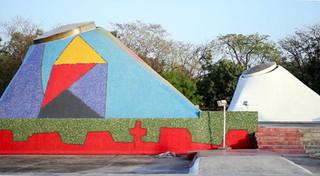 Juxtaposed Mossaic domes