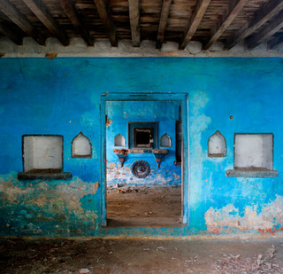 An abandoned house.jpg