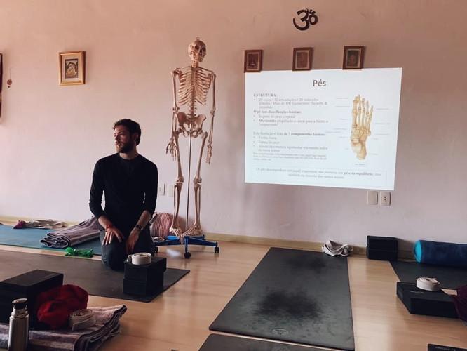 Aula de anatomia com o Rapha