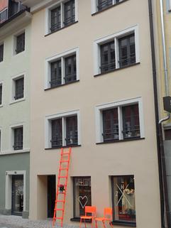 5 Eingangsbereich vordere Hausfront (1).