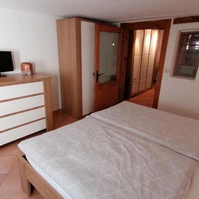 Schlafzimmerschrank und Kommode