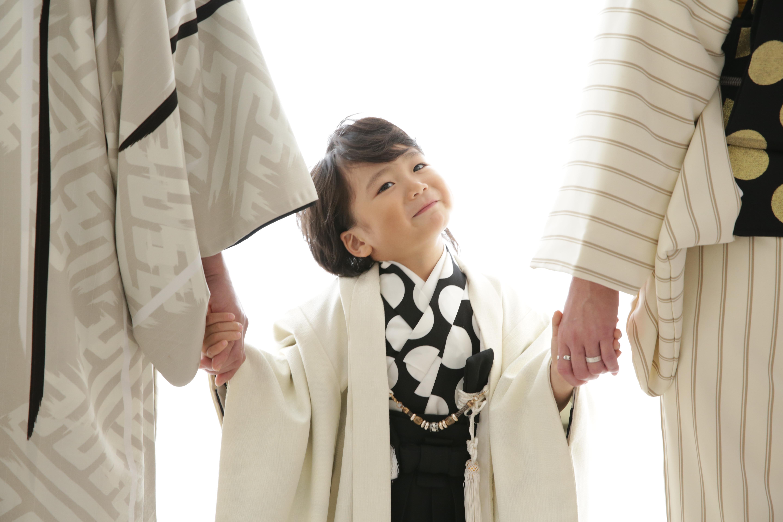 ファミリーフォト 家族写真5 七五三 男の子 5歳 スーツ おしゃれ 人気
