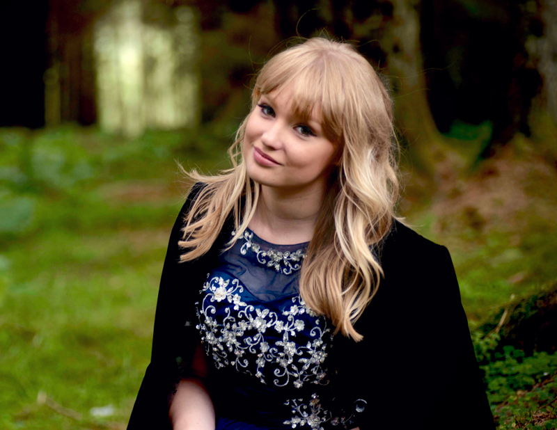 Zoe Music Album and Promo Photo