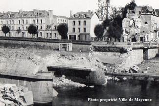 Notre Dame Bridge destroyed by the Germans