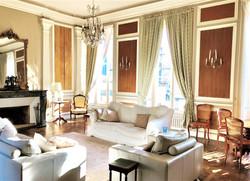 L'Hotel de Hercé Grand salon for guest enjoyment