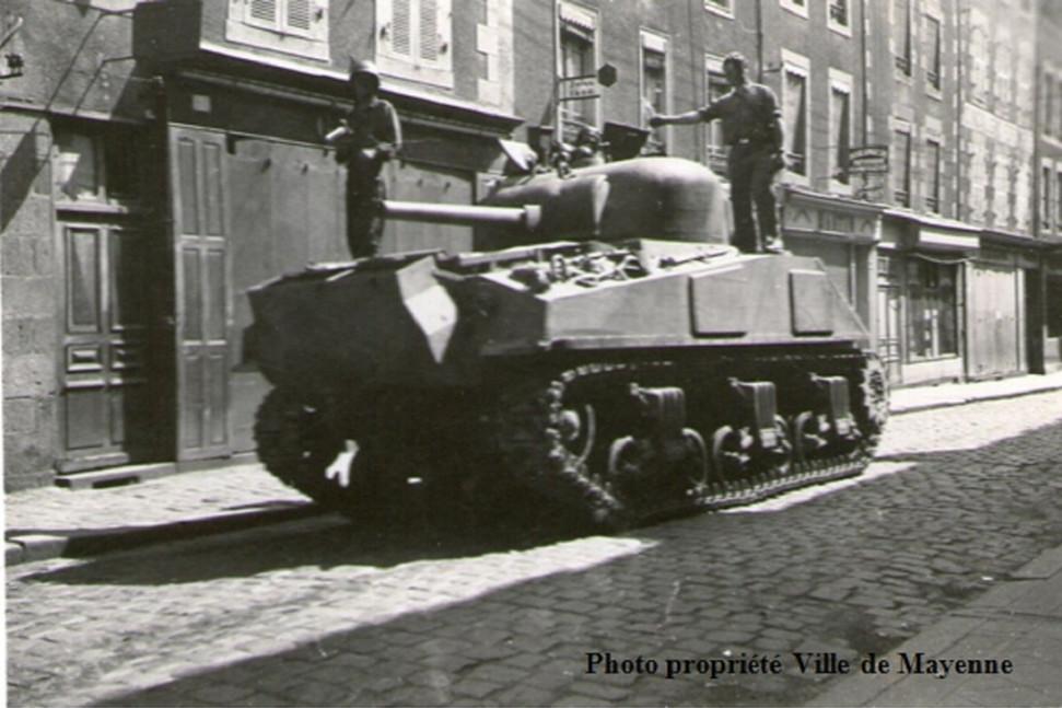 Ville Mayenne American Shrman Tank