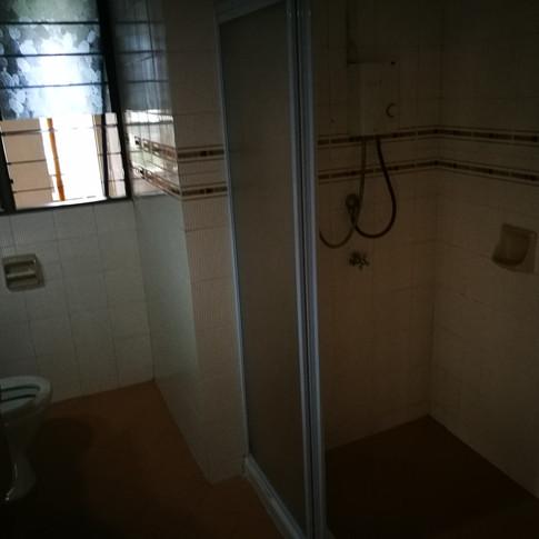 Common Bath - Before