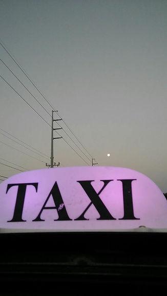 taxi full moon.jpg