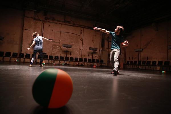 julian barnett, bluemarble, kampnagel, danspace project, dance, performance, choreography