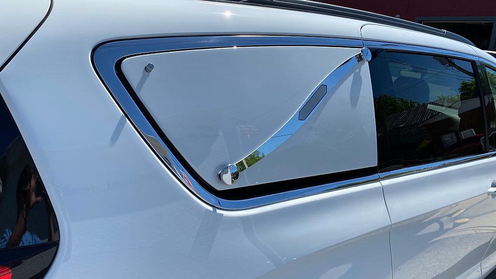 Chrysler Pacifica Panels